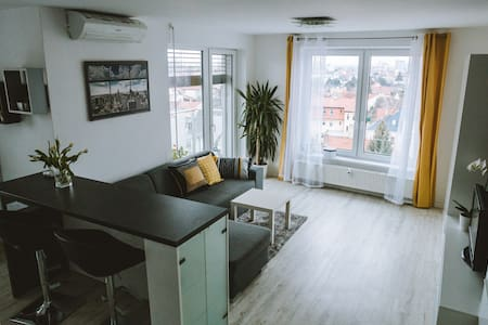 Design apartment/studio, city center, close to spa