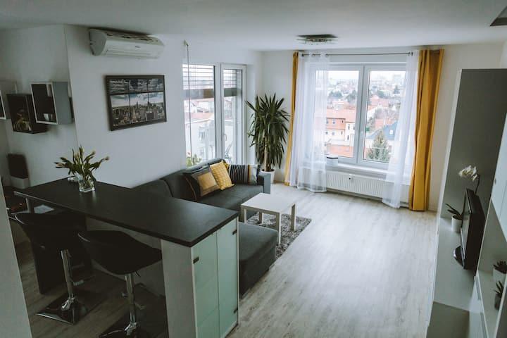 Design apartment/studio, city center, close to spa