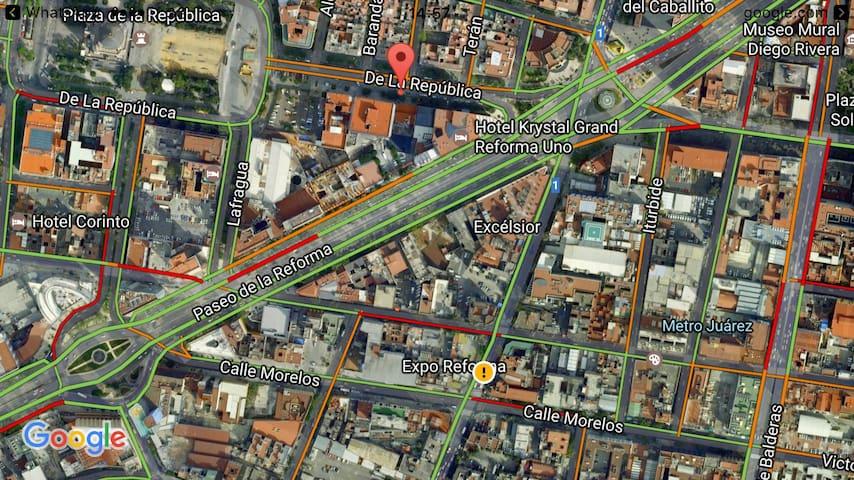 Céntrica ubicación/Central location: Reforma, Museos, restaurantes, bares, historia