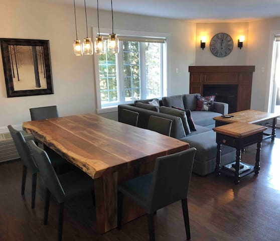Condo Mont Tremblant - 3 bedroom (sleeps 9)