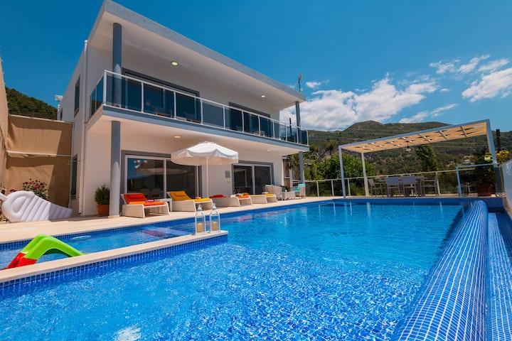 ekiralikvilla-com Villa Rudi Lüks balayı villasi