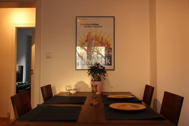 Helles, modernes Zimmer in Top Lage