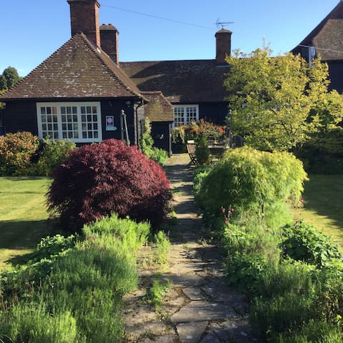 Maytham Cottage B&B