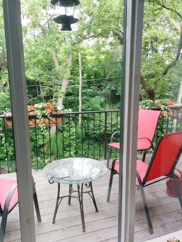 Charming 1 bedroom in midtown Toronto