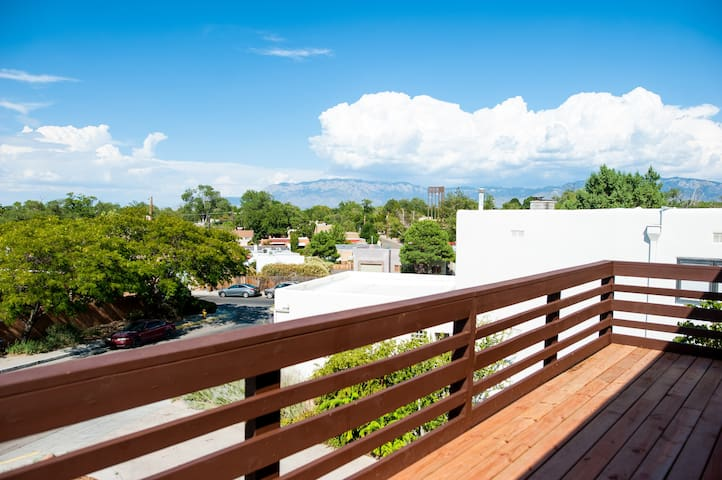 Exquisite Mountain Views in the Heart of Nob Hill
