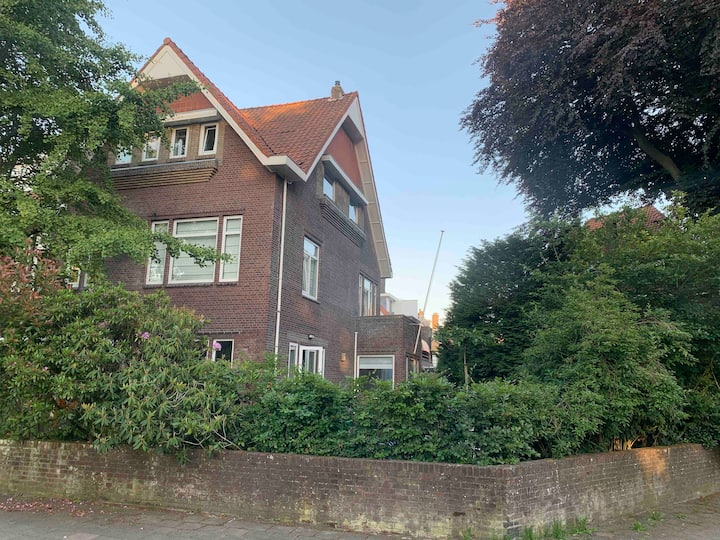Den Haag/The Haque:  Lovely big family house 300m2
