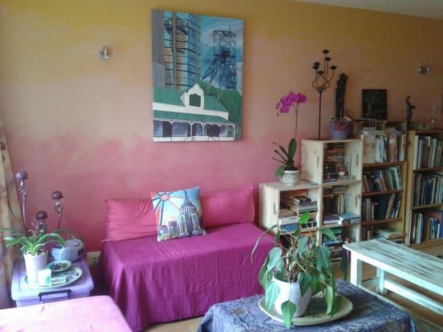 Funky, Colourful, Artsy Haven in Randburg