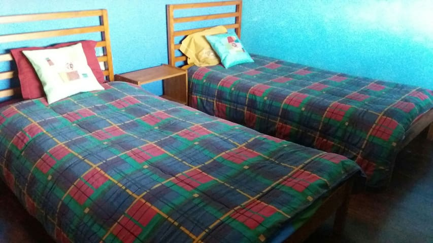 DAVID s 2 beds or single room