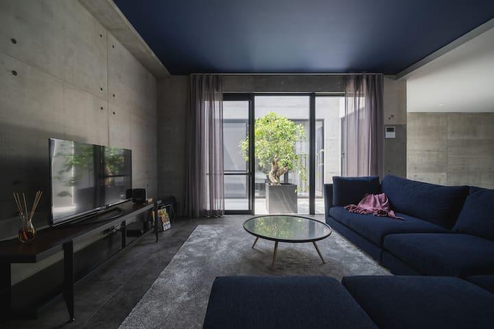 世界遺産、座喜味城址まで車で3分、新築デザイナーズヴィラ RoomC
