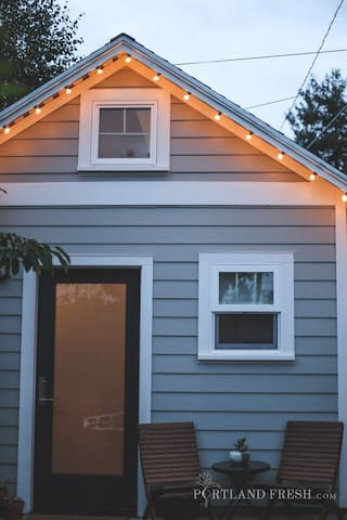 Front of the Portland Tiny House. Photo by Christiann Koepke with Portland Fresh.