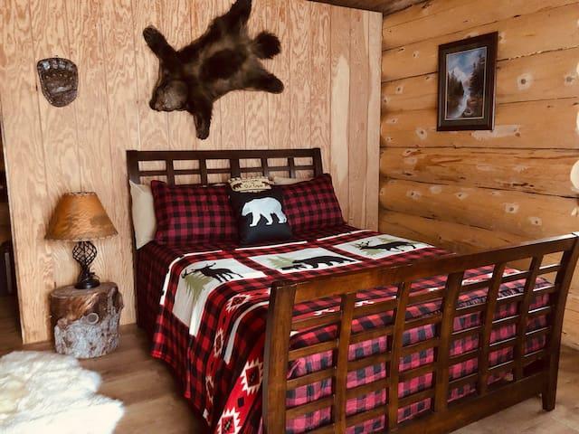 Wrangell Mountain Lodge, Bear Cabin