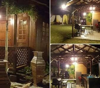 Private Family Chalet with Garden - Senawang