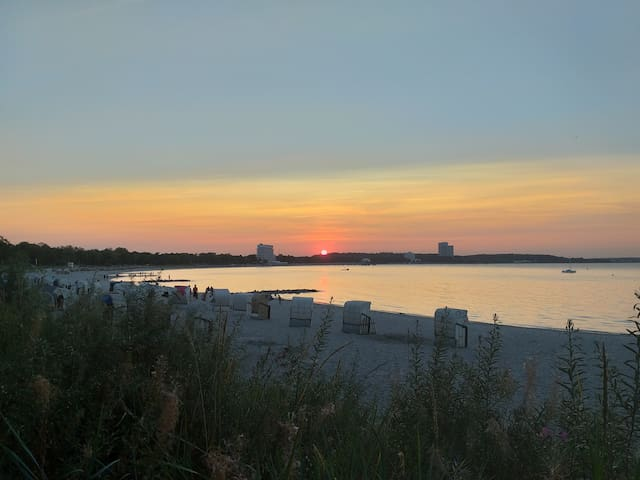 Nur 5 Minuten von Ihrem Apartment Sonnenuntergang am Timmendorfer Strand
