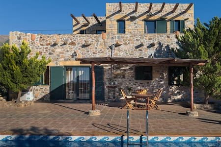 4bedroom luxury villa in Elafonisos, Kimothoe - Chania