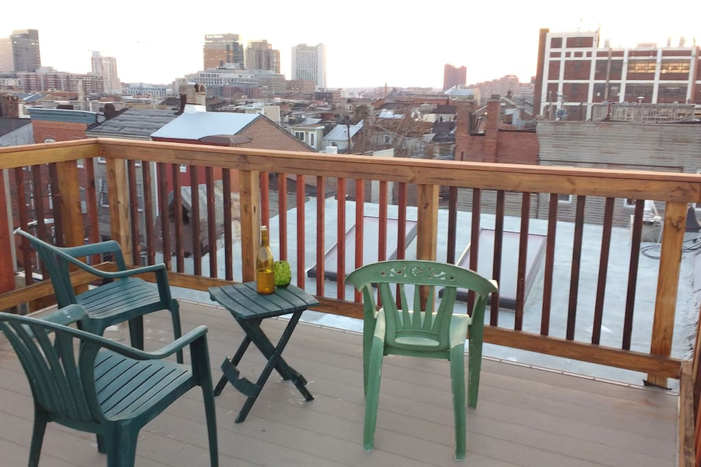 Deck sunsets offer a 360-degree panorama of downtown.