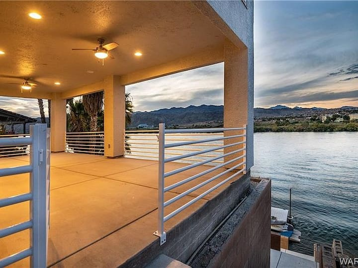 Brand New Riverfront Bullhead City Home with View