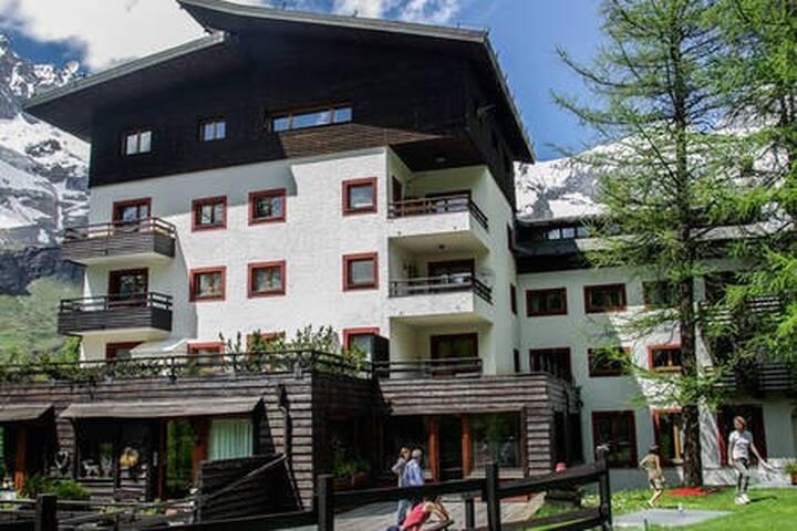Residenza esterno estate