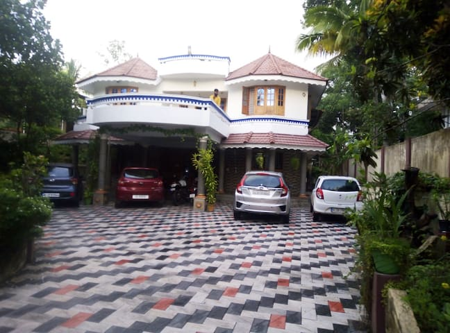 GRAND HOME STAY,THIRUVALLA, KERALA.INDIA.