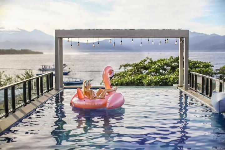Gili T High end Beachfront resort, Room+Breakfast