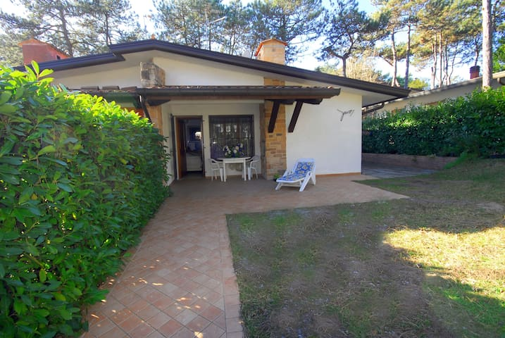 Villa Giusy with enclosed garden