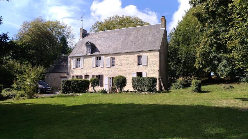 Maison de famille à Tilly-sur-Seulles, Normandie