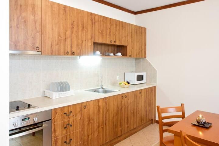 Месечен наем 1-спален апартамент Св. Иван Рилски