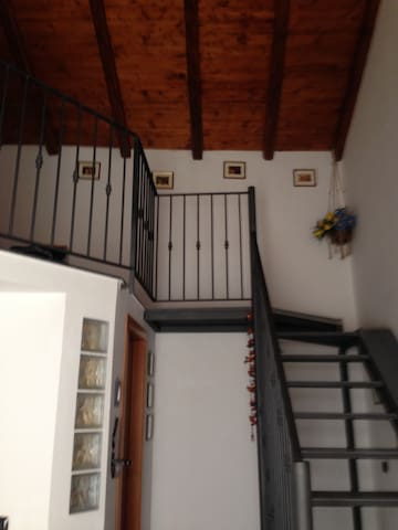 Casa indipendente munita di ogni comfort - Motta Sant'Anastasia - Appartement