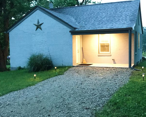 No worries if you get in late! There's lighting on the back patio, plus your pathway is lit up by solar lighting! And you do not have any steps to get into the house!