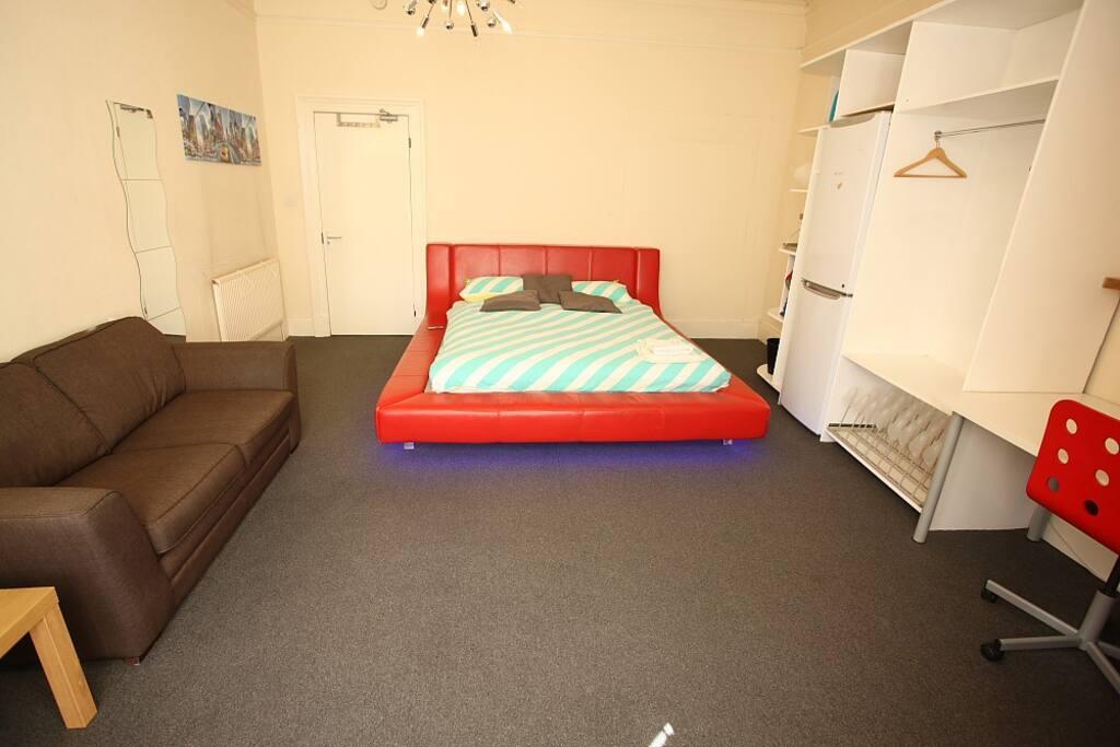 Budget Serviced Room Glasgow