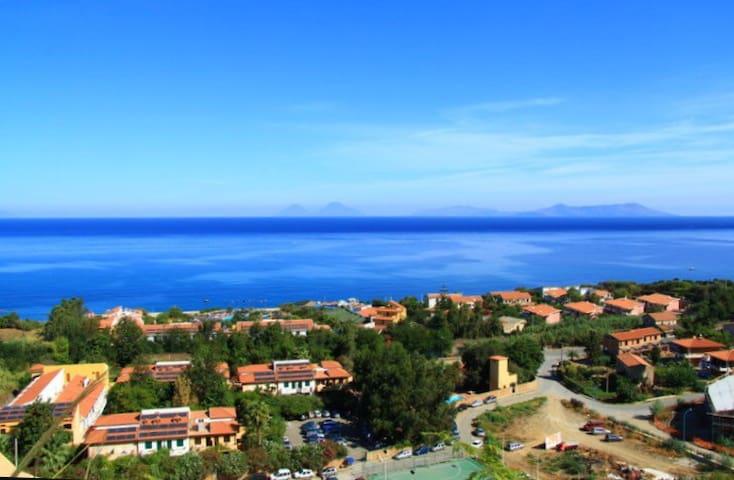 Holiday House near the Sea - Calanovella Mare
