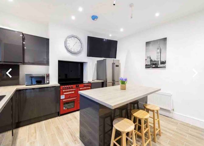 Newly renovated high spec 4 bedroom house