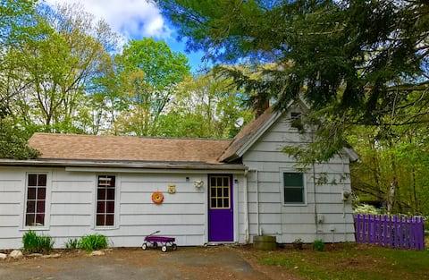 The Little House on Locket's Meadow