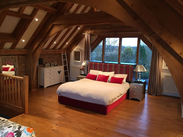 Luxury Barn Room nr Le Manoir Great Milton Oxford - Oxfordshire - Huis
