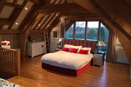 Luxury Barn Room nr Le Manoir Great Milton Oxford - オックスフォードシャー