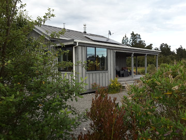 Haast Hideaway  - Solar and Wind Powered Lodge