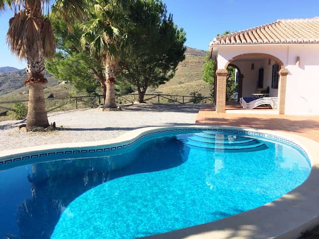 Villa Rosa with private pool