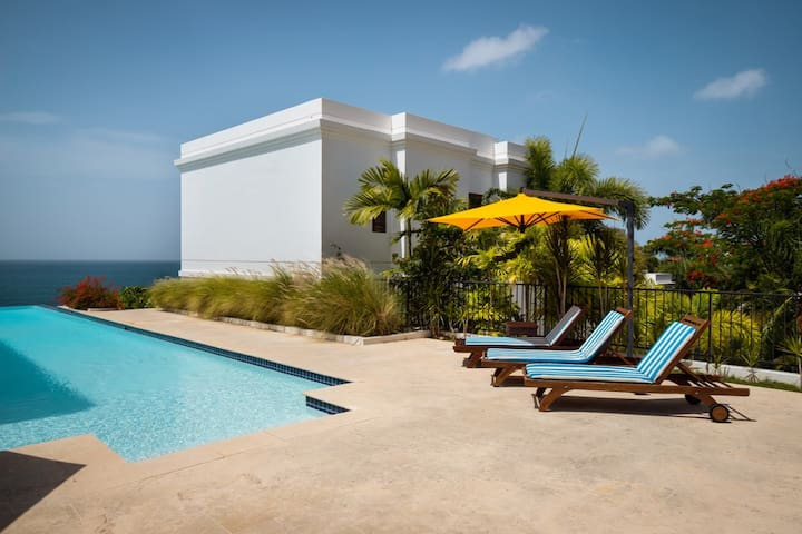 Mangó y Playa | Luxurious villa with private plunge pool and ocean views