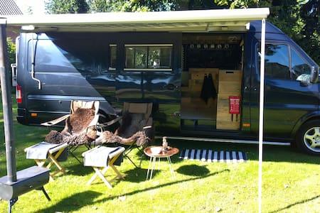 Camper overnachting zonder te rijden - Weert - Wohnwagen/Wohnmobil