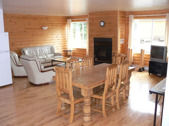 Condo 3 chambres au Lac Taureau