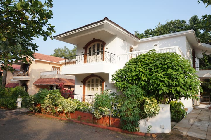 Namaste Goa Villa's, Candolim (4BHK) - Candolim - Villa