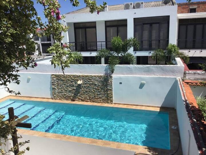 Casa Familiar con piscina privada en  Ricaurte Cun