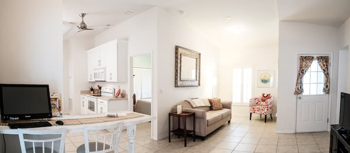 Cozy Apartment Near Downtown Eustis