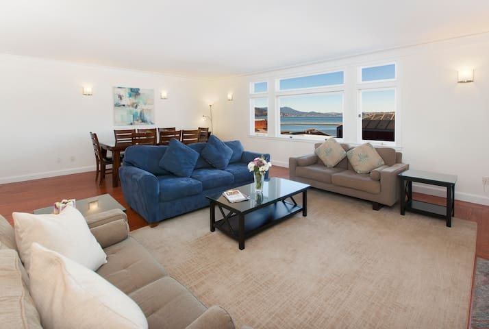 Spacious living room with VIEW!