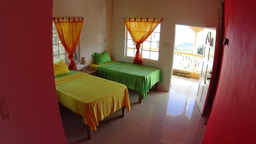 Sunshine Room@Sea View Apartment - Port Antonio - Apartment