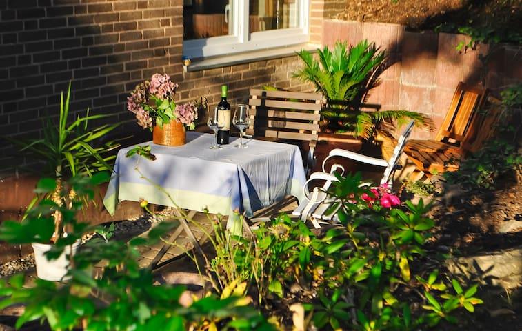 """Souterrain-Wohnung mit Terrasse """"Casa Ellen"""""""