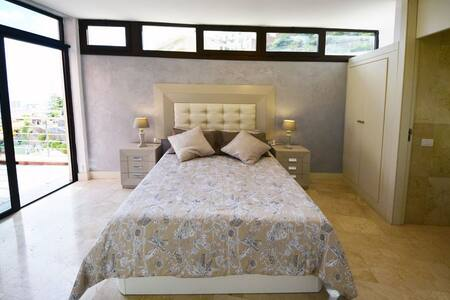 La Terrazza dello Chalet Codivilla - Santa Cruz de Tenerife - Bed & Breakfast