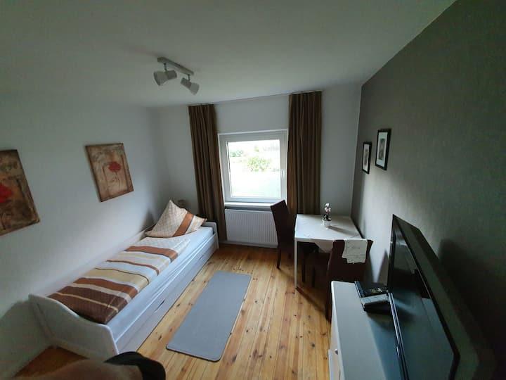 möbliertes Zimmer, WG Zimmer, Monteurzimmer, Z2