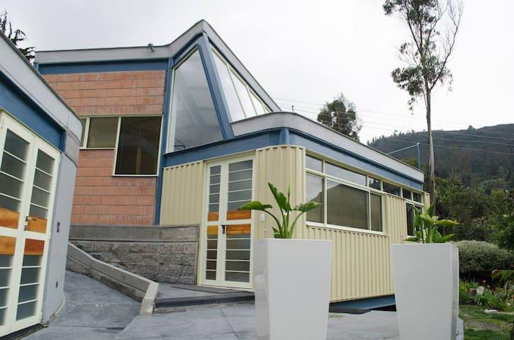 Bogotá country accomodation - La Calera - Huis