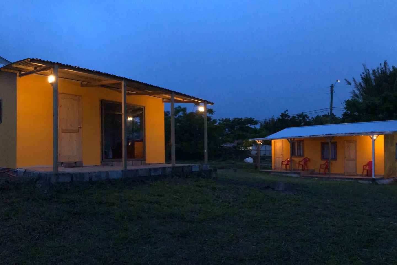 HARE MANU Rapa Nui, ubicada en el sector  de Tahai, a 5 cuadras, (500 metros), del centro de la ciudad Hanga Roa, a una cuadra, (100 metros),  del centro ceremonial de Tahai donde podrán disfrutar del mejor atardecer de la Isla con ruinas arqueológicas, a dos cuadras, (200 metros),  del Museo Arqueológico  Sebastián Englert. Ofrecemos descanso y tranquilidad en  habitaciones matrimoniales y compartidas, con desayuno continental  incluido, adicionalmente contamos con un sector de cocina y comedor para uso libre, sector de juegos y jardines con un ambiente grato, familia y acogedor. También ofrecemos  servicios de Tour por la Isla a los centros arqueológicos, Buceos, Cabalgatas, paseos en lancha, pesca y otros  servicios que le aseguraran la mejor estadía en Rapa Nui.