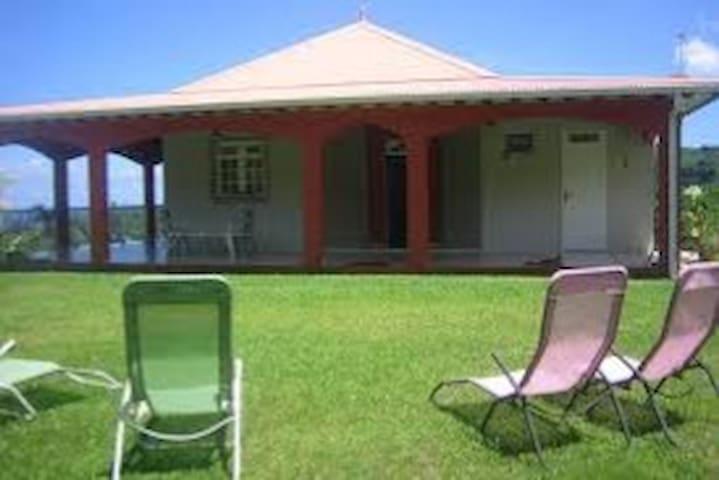 Chambre privée avec vue sur la mer - Huis